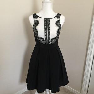 Dresses & Skirts - White House Black Market Tuxedo Dress. Size: 00